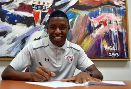 Jucilei foi contratado por empréstimo e agora assinou definitivamente com o São Paulo (Foto: Erico Leonan / site oficial do SPFC)