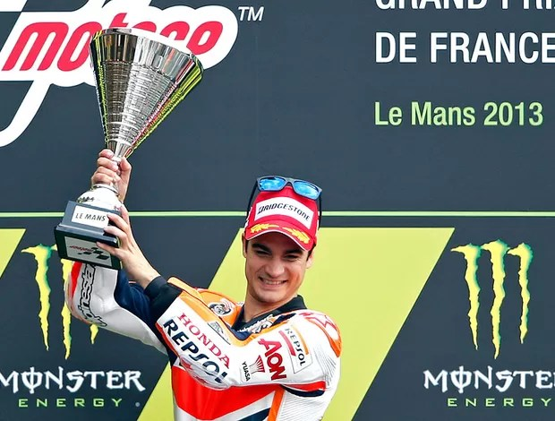 danipedrosa_moto_reu.jpg_95 - Dani Pedrosa supera pista molhada, vence na França e assume a liderança