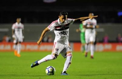 Everton Felipe foi titular contra a Chapecoense (Foto: Marcos Ribolli)