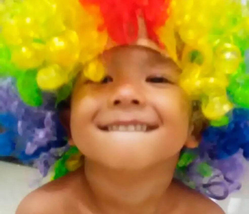 Lucas Medeiros, de 2 anos, foi uma das vítimas da tragédia em Mar Grande, na Bahia (Foto: Nívea Medeiros / Arquivo Pessoal)