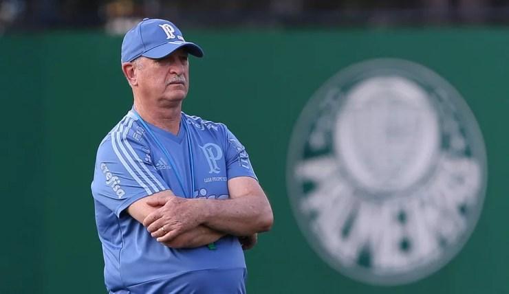 Felipão durante treino do Palmeiras — Foto: Cesar Greco / Ag Palmeiras