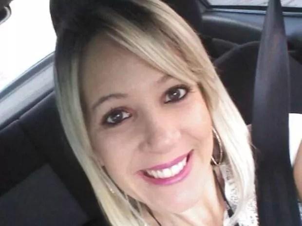 Familiares de Fernanda procuram informações sobre o paradeiro da estudante (Foto: Arquivo Pessoal)