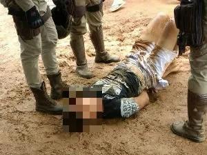 Assaltante estava armado e tentou roubar celular (Foto: Blog do Sigi Vilares)