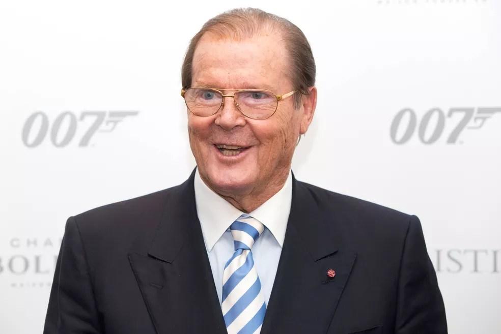 Roger Moore em comemoração pelos 50 anos de James Bond, em Londres, em 2012 (Foto: REUTERS/Neil Hall/File Photo)