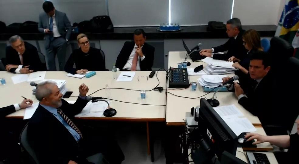 Ex-presidente Lula em depoimento ao juiz Sérgio Moro (Foto: Reprodução)