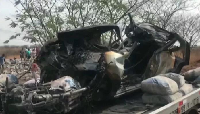 Veículo em que os jovens estavam quando sofreram o acidente. — Foto: Reprodução/TV Paraíba