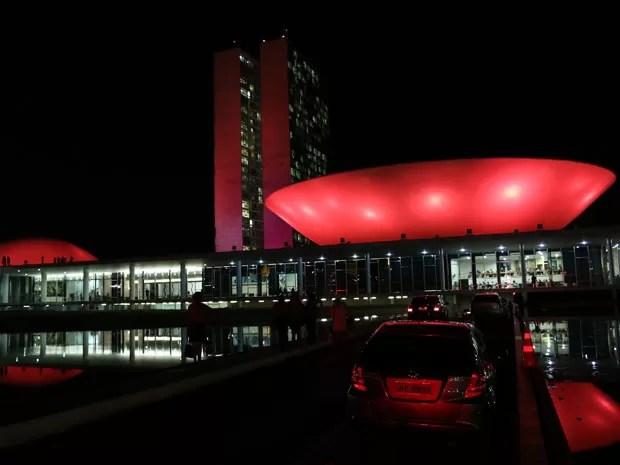 Resultado de imagem para a casa da luz vermelha