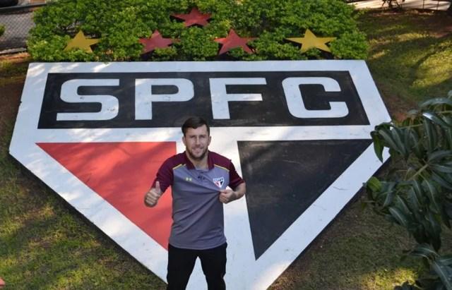 Jonatan Gómez assinou por três anos com o São Paulo (Foto: Erico Leonan / site oficial do SPFC)