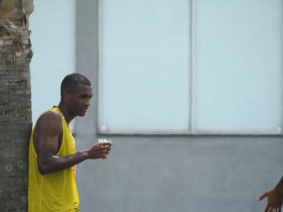 Marllon, em treino do Corinthians no CT Joaquim Grava — Foto: Marcelo Braga