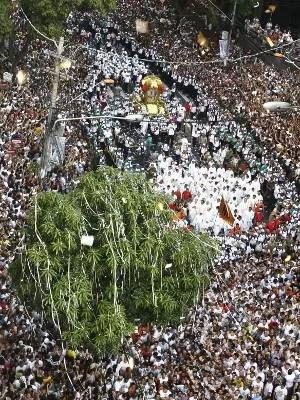 Procissão reúne 2 milhões de pessoas nas ruas de Belém. (Foto: Fernando Araújo/ O Liberal)