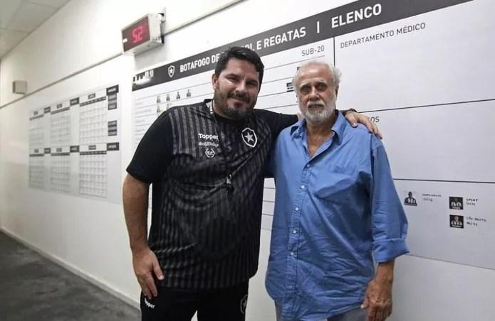 Ex-jogador Afonsinho esteve no Nilton Santos há alguns dias a convite de Barroca — Foto: Vitor Silva/Botafogo
