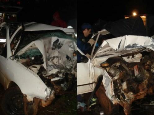 Os dois automóveis ficaram destruídos (Foto: Polícia Civil/Divulgação)