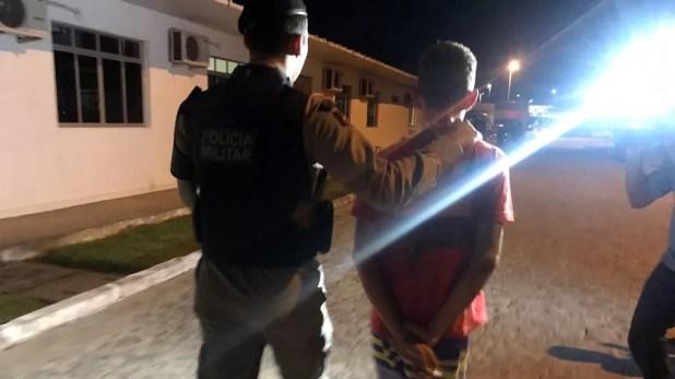 Suspeito foi levado para Central de Polícia, em João Pessoa (Foto: Walter Paparazzo/G1)