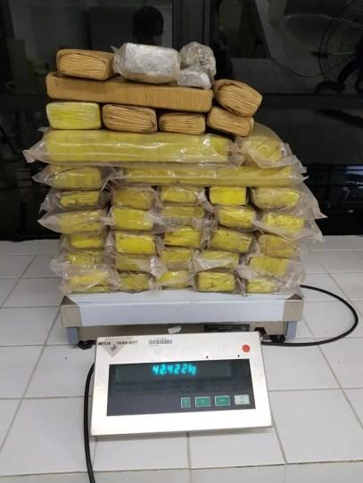 Três irmãos são presos com mais de 42kg de maconha em Arapiraca, AL — Foto: Ascom PF-AL