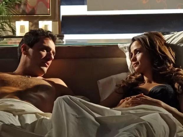 Théo e Morena trocam juras de amor (Foto: Salve Jorge/TV Globo)