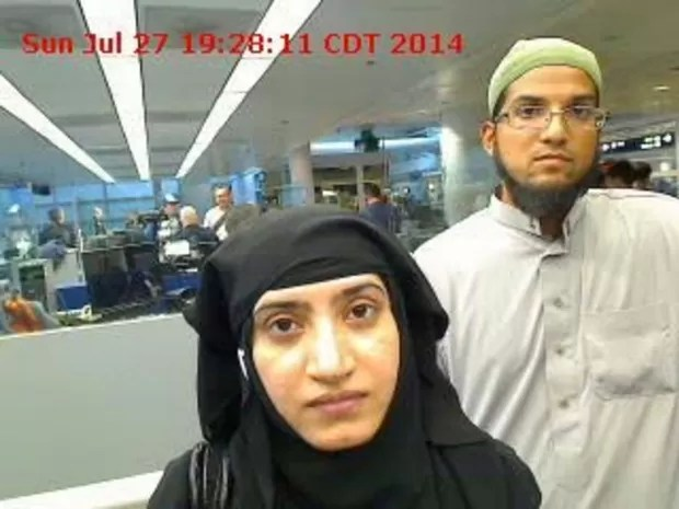 Imagem de arquivo mostra Tashfeen Malik e Syed Farook, atiradores de San Bernardino, no aeroporto de Chicago (Foto: REUTERS/U.S. Customs and Border Protection)