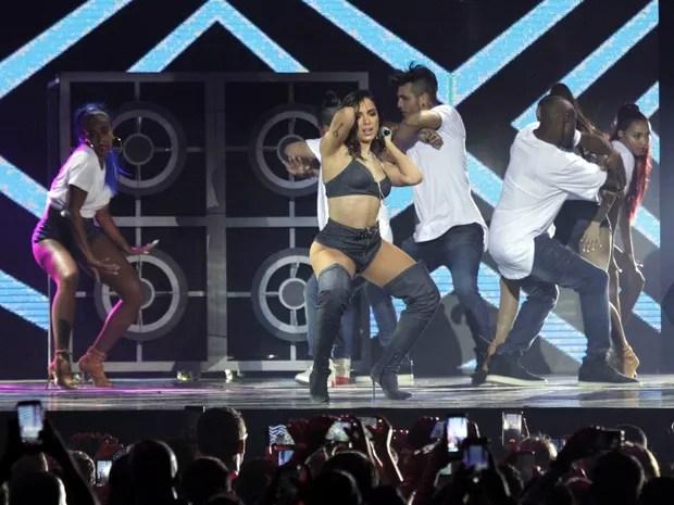 Anitta se apresenta no Prêmio Multishow (Foto: Thyago Andrade e Marcos Ferreira/ Brazil News)