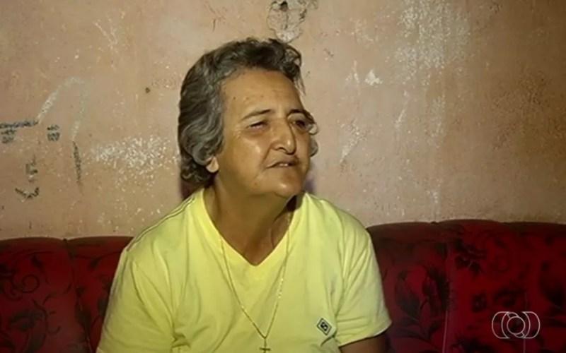 Cirene de Souza aguarda para fazer cirurgia, em Itumbiara, Goiás (Foto: TV Anhanguera/Reprodução)