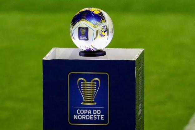 Bola da Copa do Nordeste 2021 — Foto: Marlon Costa/Pernambuco Press