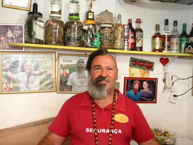 Djalma das Cobras mantém o bar há cerca de 30 anos (Foto: Raimundo Mascarenhas / Calila Noticias)