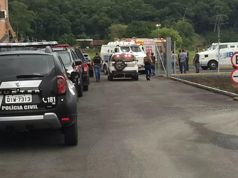 Assalto em aeroporto de Blumenau — Foto: Maurício Cattani/NSC TV