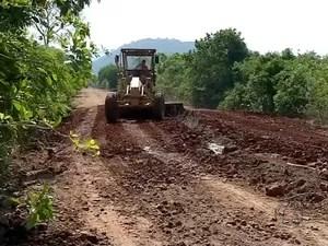 Contrato para arrumar Estrada Parque motivou pedido de prisão (Foto: Reprodução TV Morena)