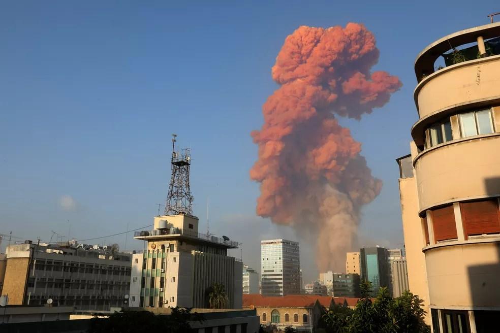 Grande explosão atingiu capital libanesa, Beirute, nesta terça-feira (4) — Foto: Anwar Amro/AFP