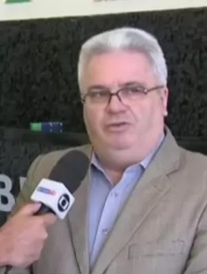 Sérgio Corrêa (direita) presidente da Comissão de Arbitragem da CBF (Foto: Reprodução SporTV)
