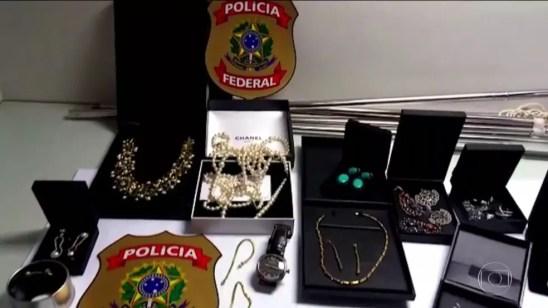 Maioria das joias de Adriana Ancelmo e Sérgio Cabral está desaparecida (Foto: Fantástico)