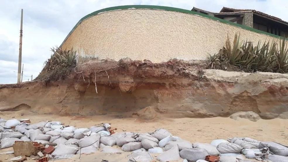 O problema do avanço do mar em Atafona é antigo e a erosão acontece desde a década de 60 — Foto: Divulgação/Sônia Ferreira