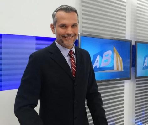 Resultado de imagem para jornalista Alexandre Farias