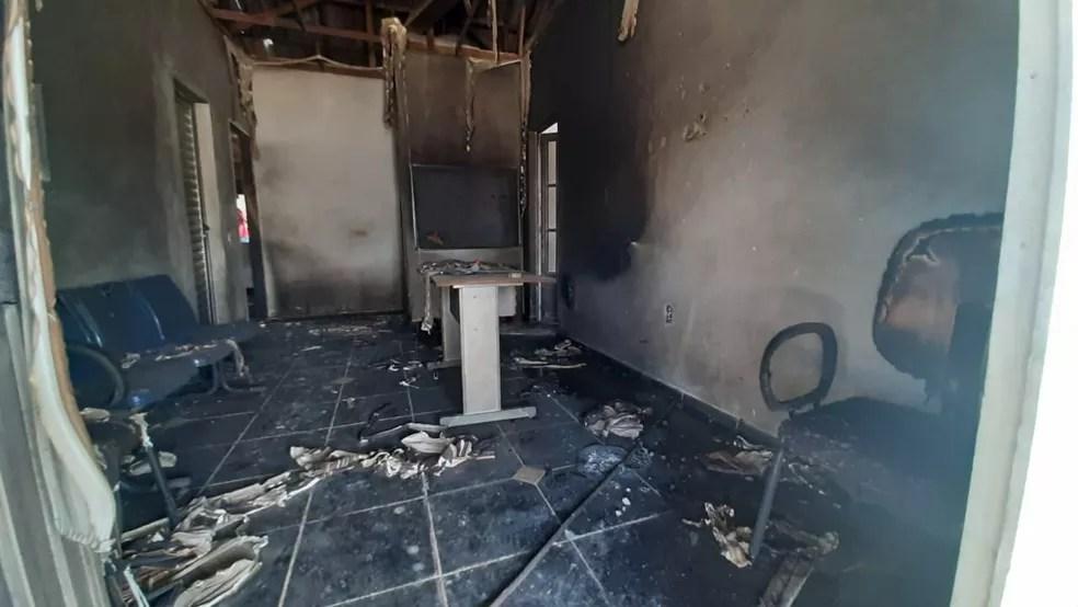 Distrito de obras da prefeitura de Manaus, no bairro Compensa, foi alvo de atentados. — Foto: Rebeca Beatriz/G1 AM
