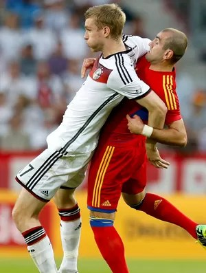 Per Mertesacker amistoso Alemanha x Armênia (Foto  AP) 0dde163c99a34