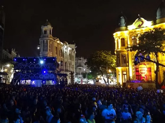 Show de Zeca Baleiro, no Marco Zero do Recife (Foto: Luna Markman / G1)