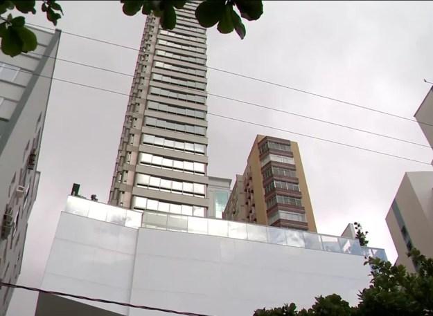 Apartamento de luxo em Balneário Camboriú (SC) comprado por R$ 2,5 milhões pelo diretor-geral do DER-PR Nelson Leal Júnior. (Foto: NSC TV/Reprodução)