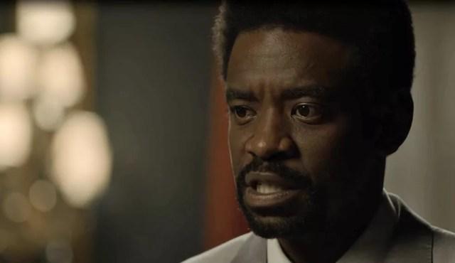 Roberval fica consternado ao descobrir a traição da sua noiva (Foto: TV Globo)