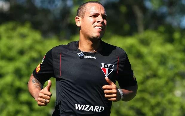 Luis Fabiano no treino do São Paulo (Foto: Luiz Pires / VIPCOMM)