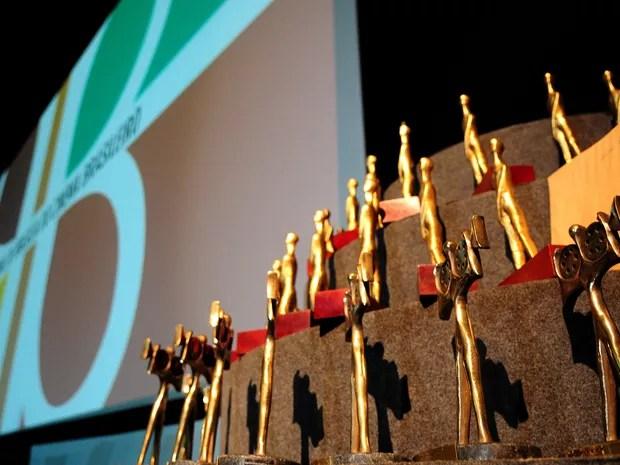 Troféus distribuídos durante o encerramento do 49º Festival de Brasília do Cinema Brasileiro (Foto: Pedro Ventura/Agência Brasília)