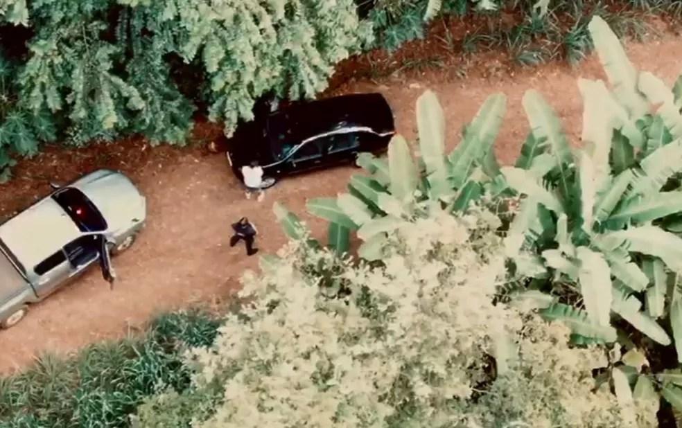 Segundo a Receita Federal, com imagens de drone, o veículo suspeito foi localizado, em Céu Azul — Foto: Receita Federal/Divulgação