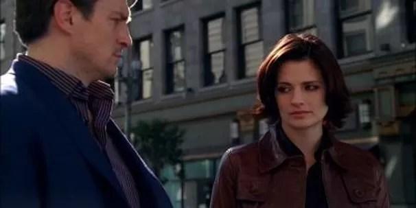 Beckett e Castle investigam um misterioso assassinato (Foto: Divulgação / Disney)