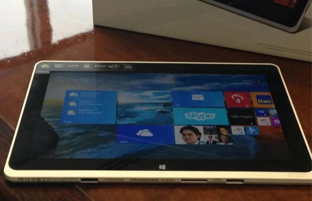 Novo tablet da Acer está entre os dispositivos com Windows 8.1 que serão lançados no Brasil até o Natal (Foto: Daniela Braun/G1)