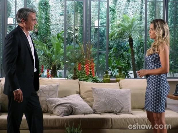 Heloísa pede para Thomaz não fazer comentários (Foto: Além do Horizonte/TV Globo)