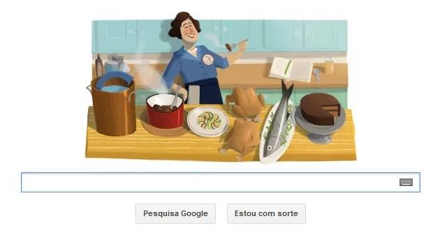 """O Google criou um logo em homenagem ao aniversário de Julia Child, apresentadora de TV e autora do célebre livro """"Mastering the Art of French Cooking"""". Julia completaria 100 anos nesta quarta-feira (15). A ilustração criada pelo Google mostra Julia atrás de uma mesa com comidas que formam o logotipo da companhia. Julia introduziu a culinária francesa à gastronomia norte-americana por meio do seu livro de estreia, lançado em 1963. Mais tarde, ela se tornou apresentadora de um programa de culinária do canal """"PBS"""". (Foto: Reprodução)"""