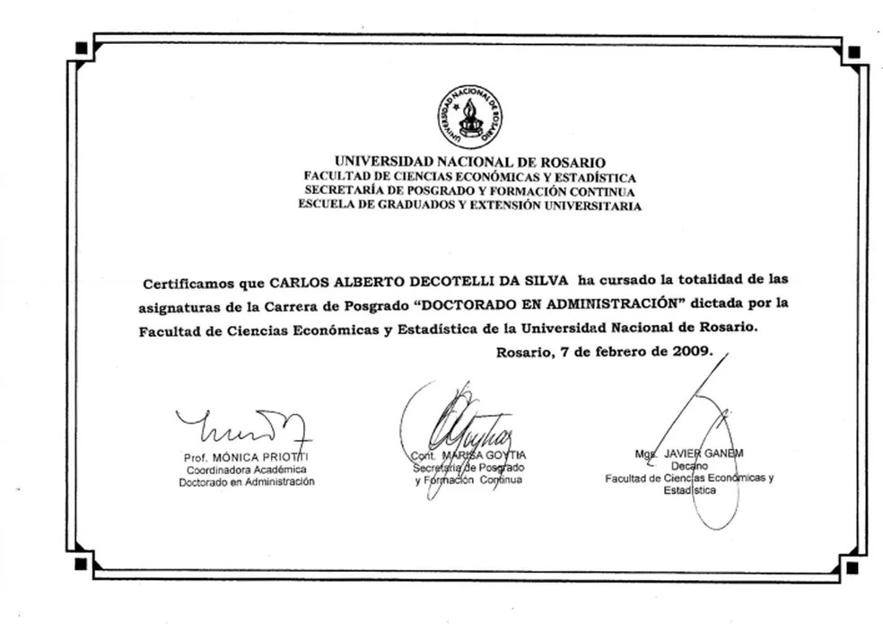 Certificado da Universidade Nacional de Rosario enviado pelo MEC atesta que Carlos Alberto Decotelli completou todas as disciplinas exigidas no programa de doutorado da instituição — Foto: Divulgação/MEC