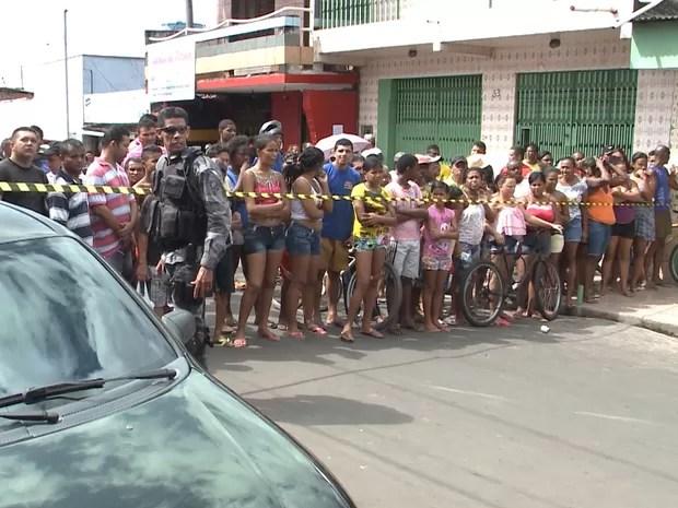 Polícia Civil isolou o local do crime ocorrido no Bairro de Fátima em São Luís (Foto: Luciano Melo/TV MIrante)