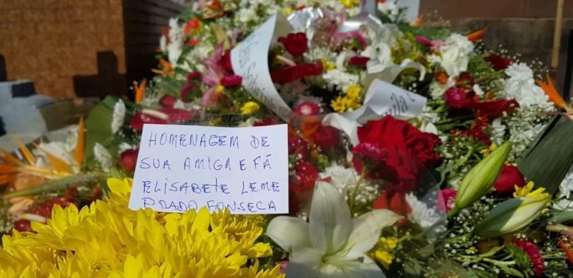 Amigos e parentes homenagearam a atriz em Jundiaí (Foto: Moniele Nogueira/TV TEM )