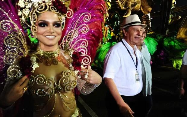 marco polo del nero e namorada carolina galan carnaval 2013 (Foto: Marcos Ribolli)