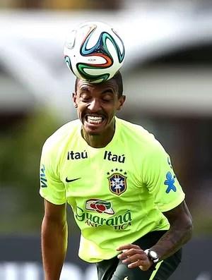 Luiz Gustavo treino Seleção (Foto: EfeServicios)