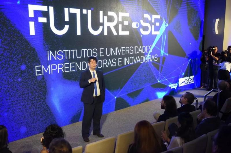 O secretário de Educação Superior, Arnaldo Barbosa Lima Junior, durante a apresentação do Future-se — Foto:  Luis Fortes/MEC