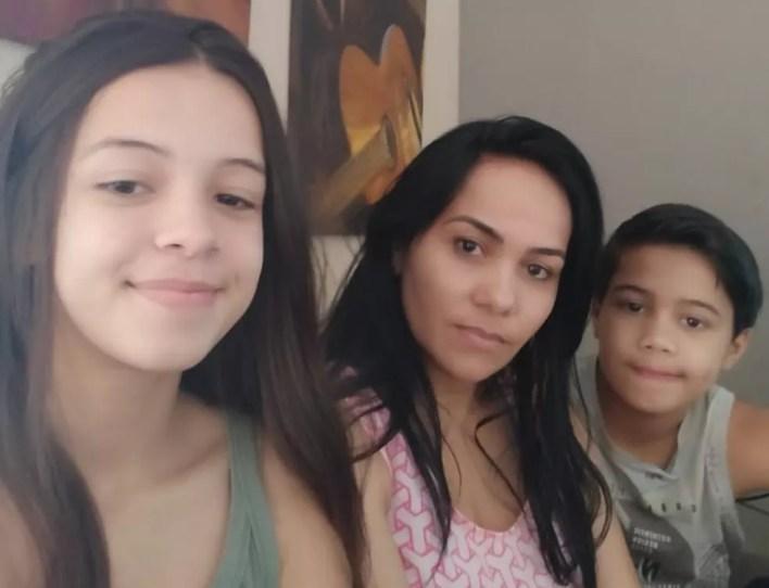 Gircelia está em isolamento com os filhos; quarentena termina nessa quinta-feira (30) — Foto: Arquivo pessoal
